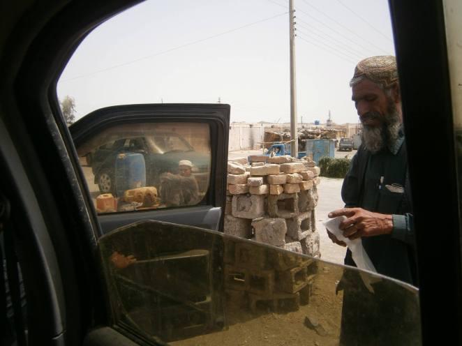 2 Balochi buys stuff
