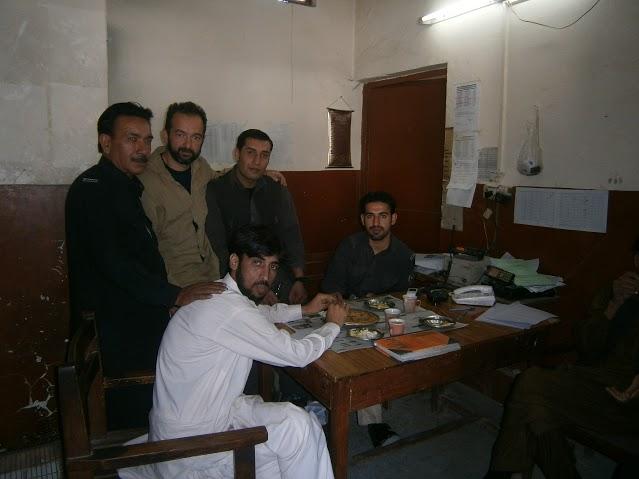 4 Quetta - policeskiq uchastyk i doma na za 2 denonoshtiq